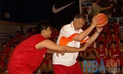 防守 张卫平篮球教学视频 第五集